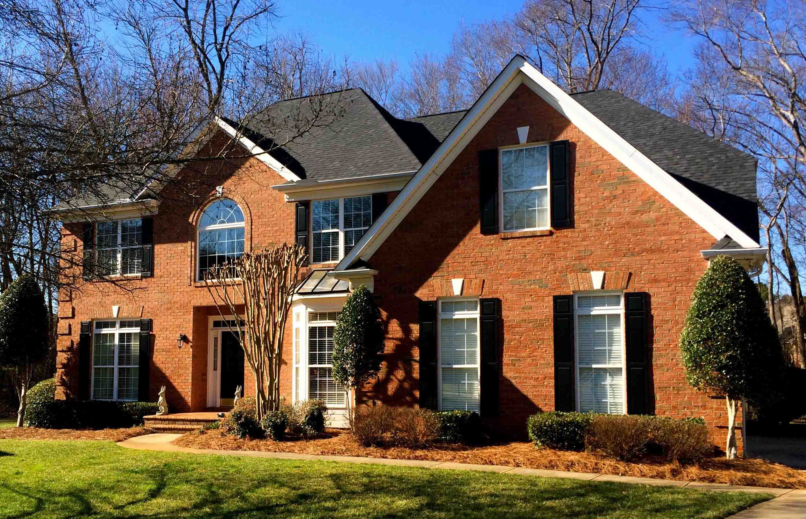 Lighter Color Brick Home Roofing Job